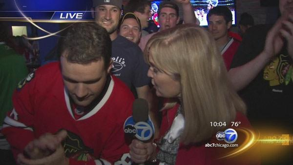Blackhawks fans celebrate playoffs victory over Red Wings across city