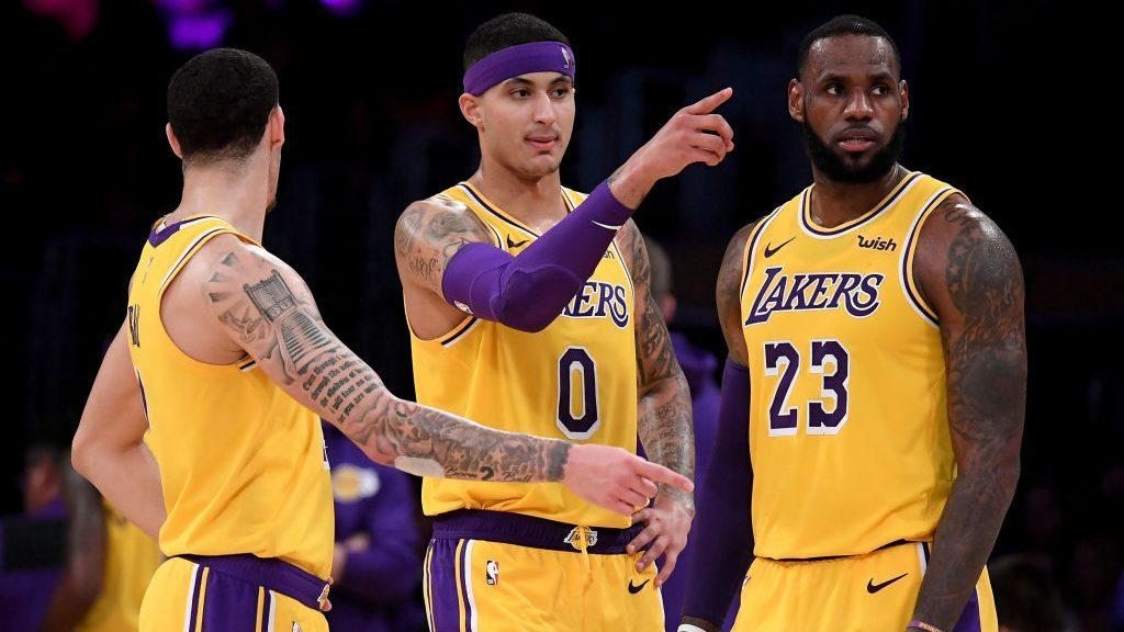 0712ccc9e3b3 Rumor  LeBron James didn t fully engage with young Lakers teammates