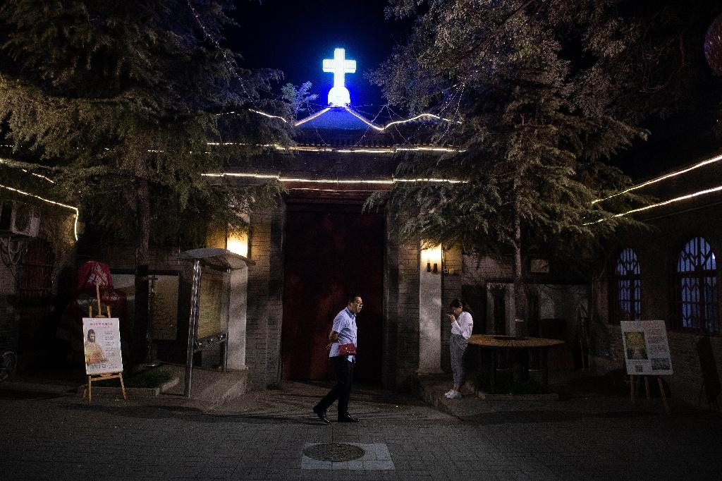 Chinese Catholics 'pray for the best' but wary after Vatican deal