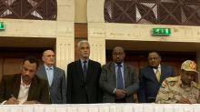 Militares e líderes da contestação assinam acordo para dividir o poder no Sudão