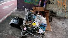Condomínio no centro de SP contrata serviço de retirada de morador de rua