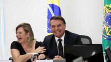 Bolsonaro reata 'namoro' com PSL, mas impõe condições para voltar