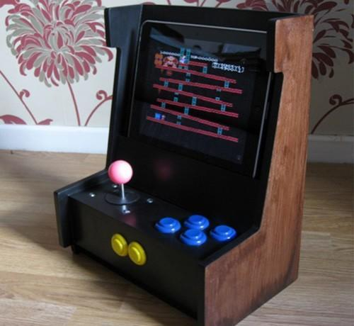 Freekade, the iPad arcade cabinet, goes up for auction (video)