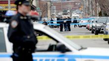 Long Island, colpi d'arma da fuoco in un supermercato locale