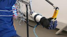 VIDEO Marseille: Des chercheurs ouvrent la voie à une prothèse pilotée par un membre fantôme