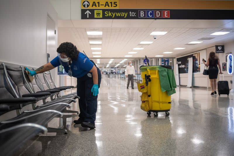Senate Republicans back $10 billion in additional aid for U.S. airports: document