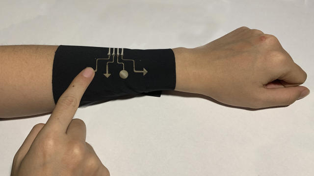 Researchers control a game of Tetris using a breathable wearable sleeve