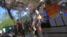 Green Day sings 'Basket Case' live on 'GMA'