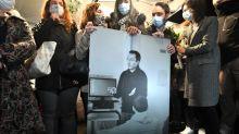 Assassinat de Samuel Paty : qui sont les sept personnes mises en examen ?