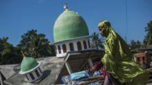 Dos fuertes sismos remecen la isla de Lombok, Indonesia