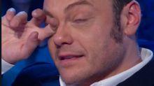 """Domenica In, Tiziano Ferro commosso: """"Le parole hanno un peso"""""""