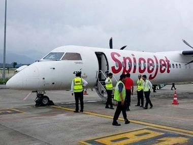 SpiceJet hires 500 employees, including 100 pilots from grounded Jet Airways; to give priority to those who lost jobs