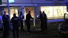 Polizei und Feuerwehr: Blaulicht-Blog: Mann niedergestochen - schwer verletzt