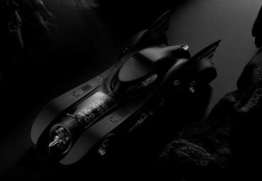 這款蝙蝠車造型手錶能讓你過過當正義使者的乾癮!