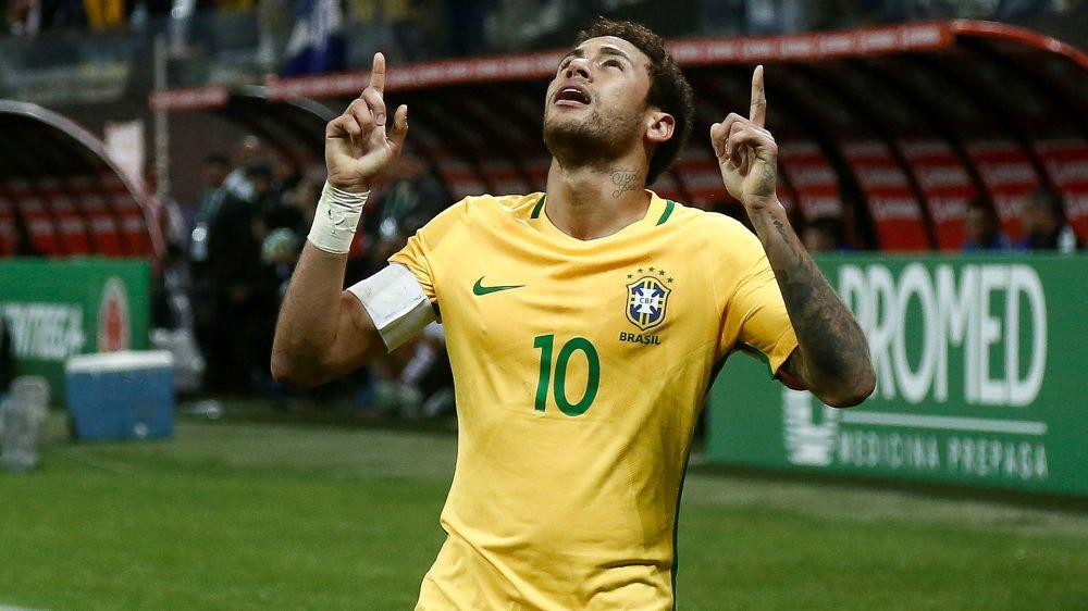 Neymar recupera terceira colocação, e Brasil volta a contar com mais jogadores na Bola de Ouro