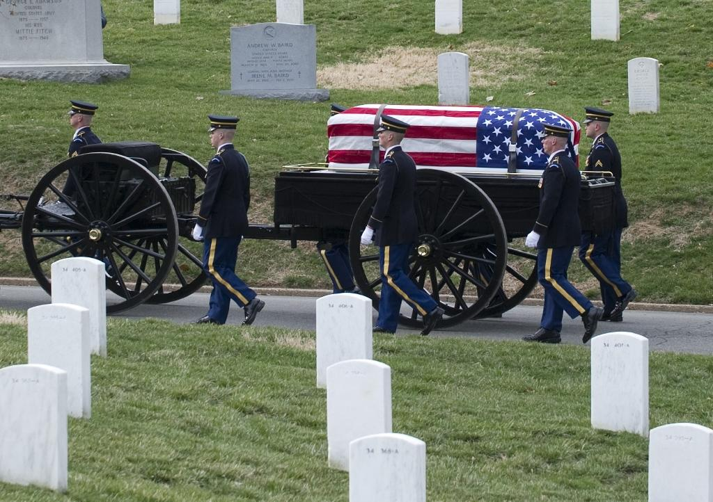 US WWI veteran Frank Buckles lobbied Congress for a national Great War memorial in Washington, but died in 2011 aged 110 as debate continued (AFP Photo/SAUL LOEB)