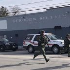 Gunman dead, multiple officers injured after Illinois shooting