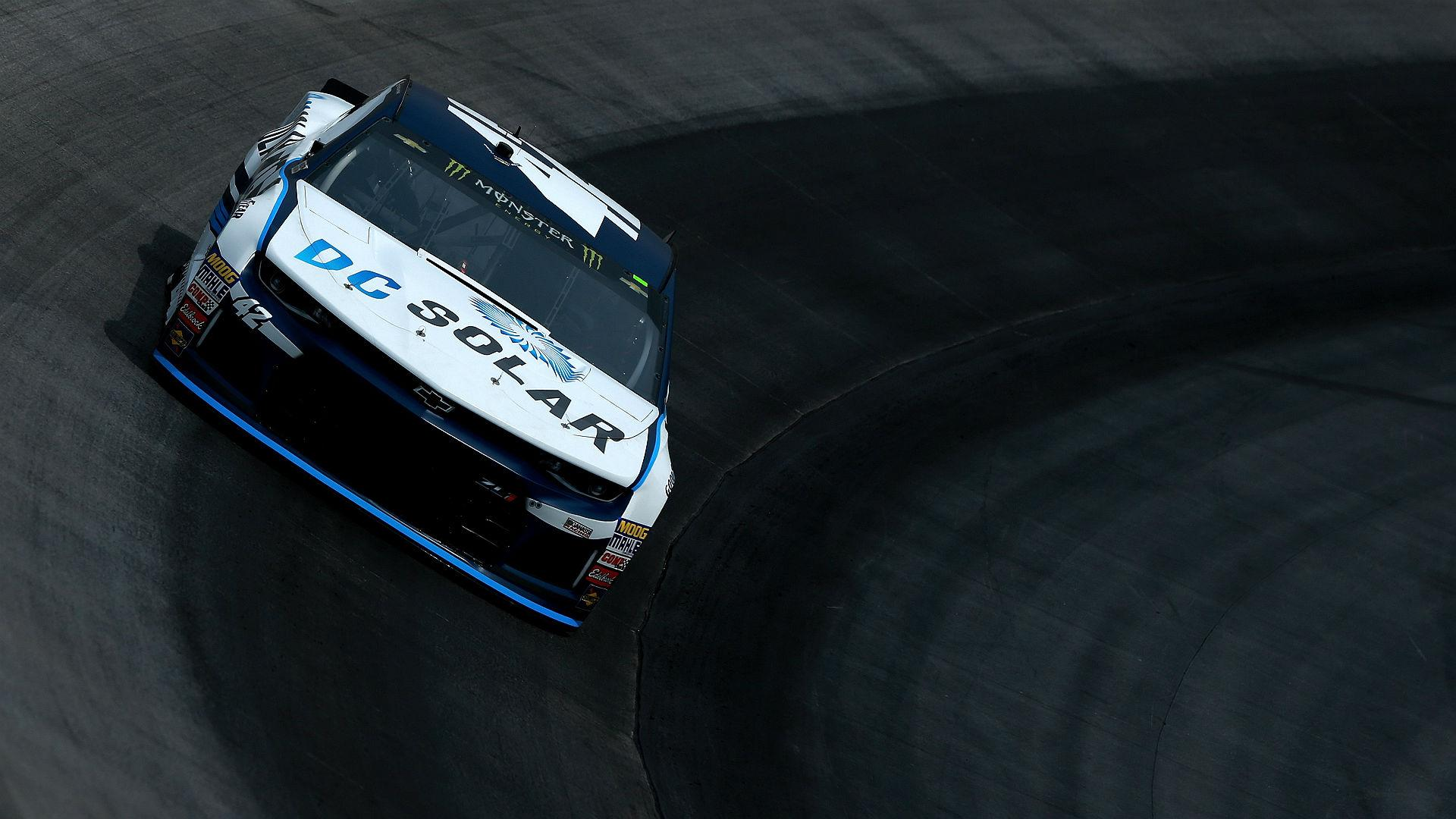 NASCAR starting lineup at Bristol: Kyle Larson wins pole, Chase Elliott 2nd for Night Race