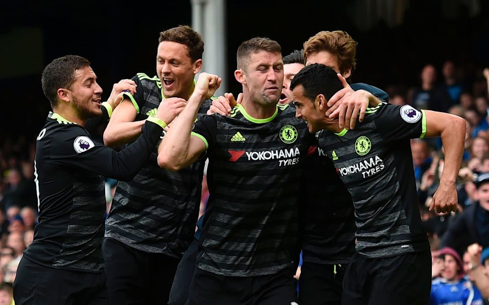 Chelsea's player celebrate Pedro's goal - AFP