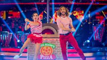 'Strictly Come Dancing' TOTALLY ignores Seann and Katya kissing scandal