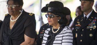 Congresswoman wants a John Kelly apology