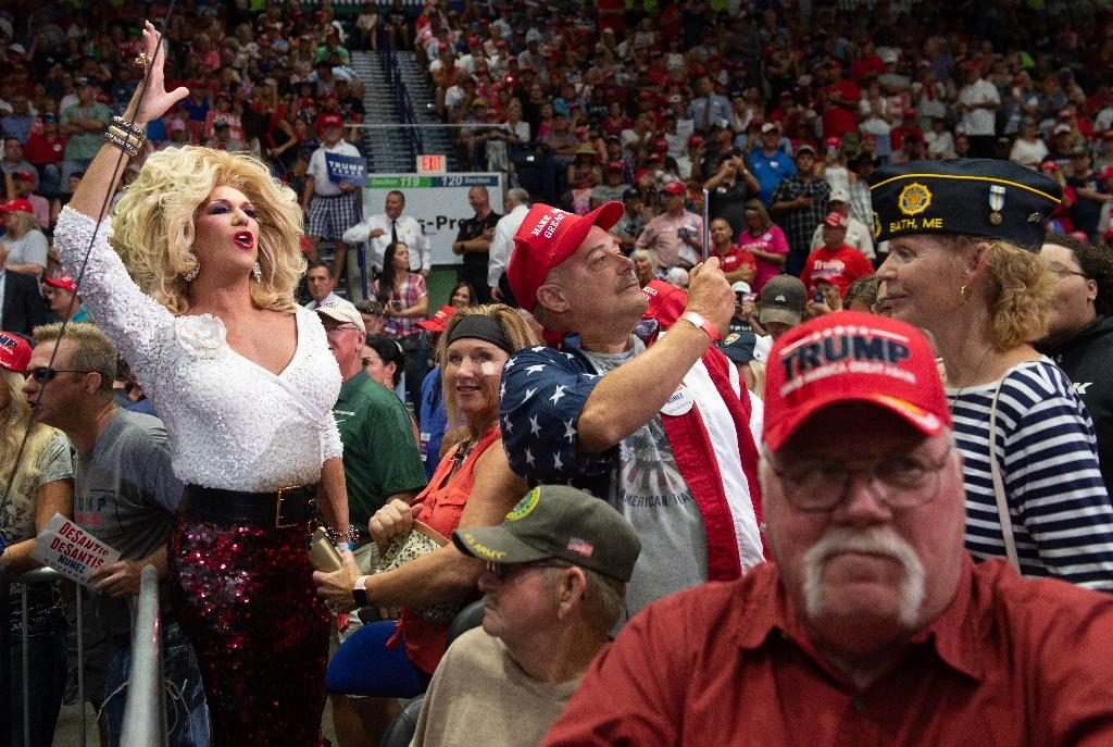 Mostly white supporters cheer as President Donald Trump addresses a campaign rally in Estero, near Fort Myers, Florida, on October 31, 2018 (AFP Photo/SAUL LOEB)