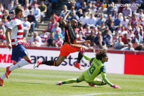 Valencia exerce direito e fica com Zaza, ex-Juventus, em definitivo