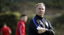 Blunt and sarcastic, Arena relaxes US after Klinsmann
