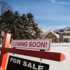 U.S Mortgage Rates Hold Steady as Geopolitics and Stats Send Mixed Signals
