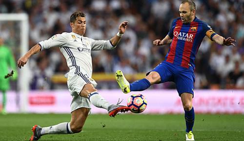 Primera Division: Vor dem Derby: Barcelona bangt um Iniesta
