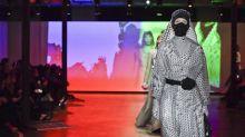 """Covid-19  : Paris renoue avec les défilés en mode """"phygital"""""""