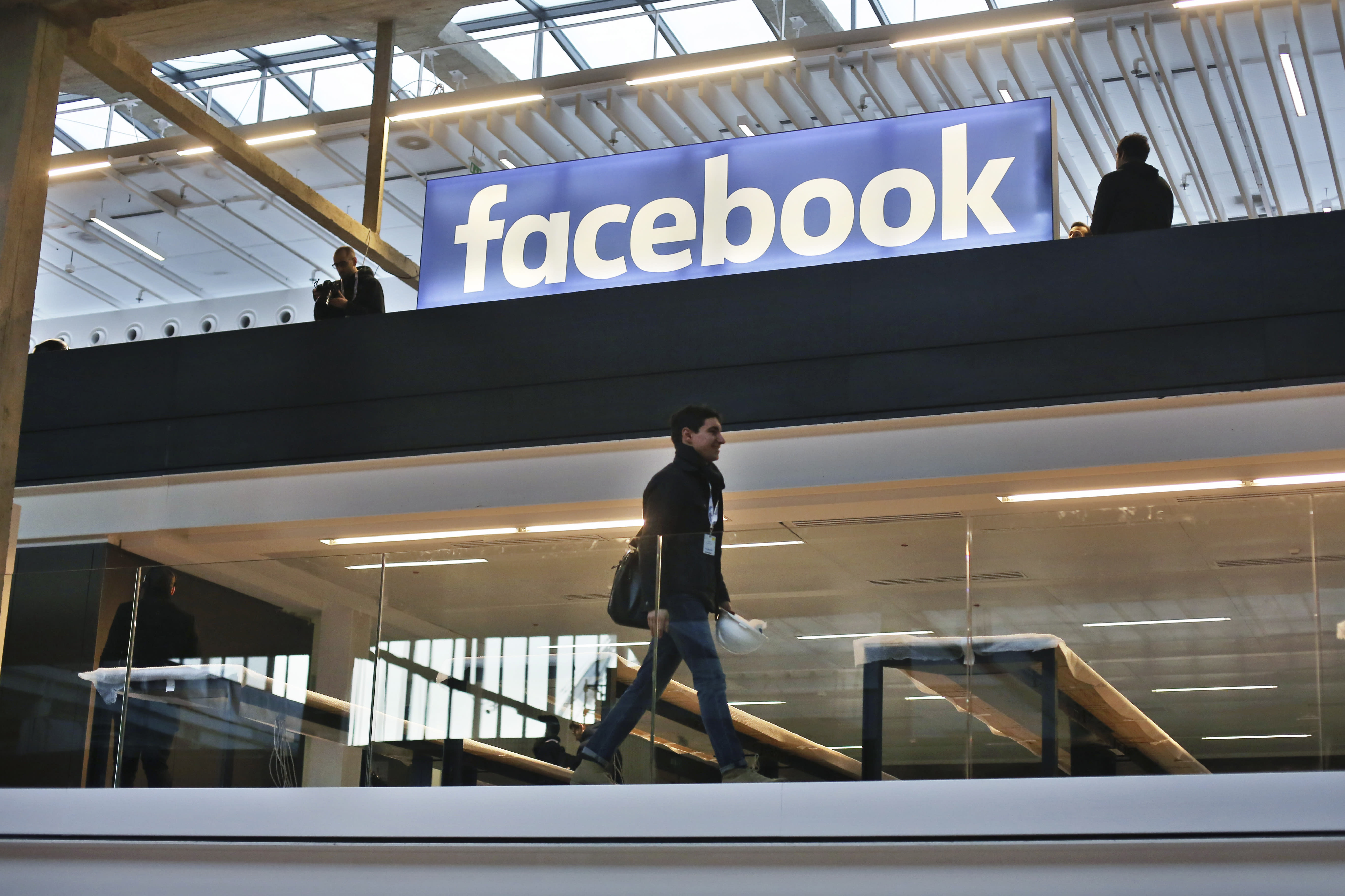 French lawmakers approve 3% tax on online giants