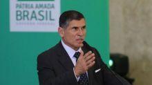 Santos Cruz apresenta projetos do PPI a empresários na França