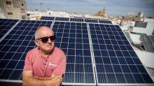 """Teodoro, el insurgente de las eléctricas: """"el sol no engaña, las compañías sí"""""""
