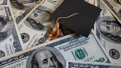 4 financial gifts for graduates