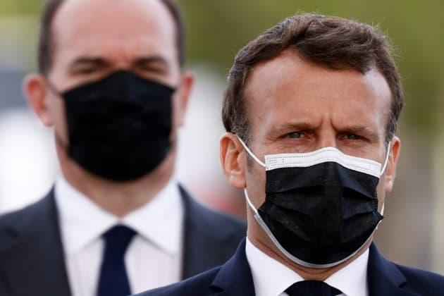 A sept mois de la présidentielle, Macron occupe le terrain
