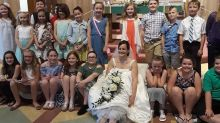 Teacher invites 80 students to her wedding