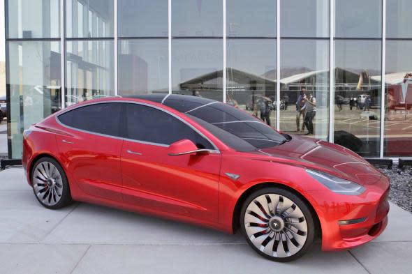消费者报告在重测 Tesla Model 3 后,终于给予了「推荐」