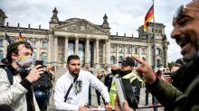 Verschwörungstheorien: Staatsschutz ermittelt gegen Attila Hildmann