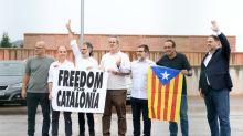 Líderes separatistas catalães indultados deixam a prisão