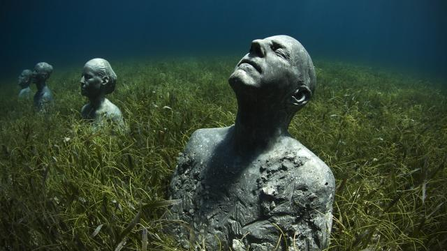 Amazing Underwater Sculptures: 4 Year Art Installation Is Finally Finished