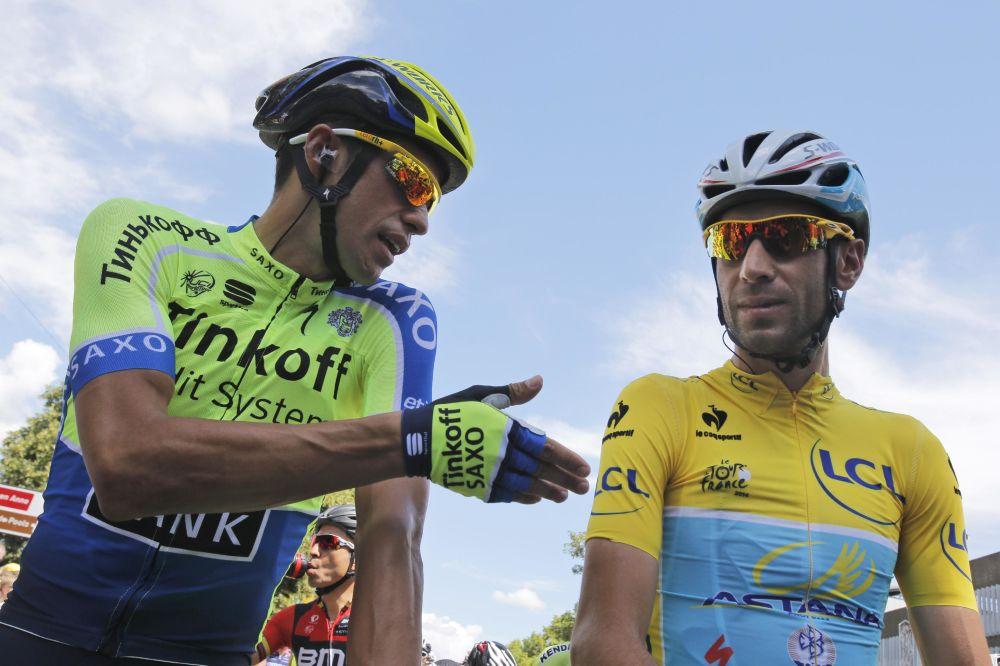 Tour de France champion Chris Froome hurts wrist