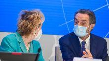 Appello di Fontana e Moratti: vaccinatevi, unica arma contro Covid