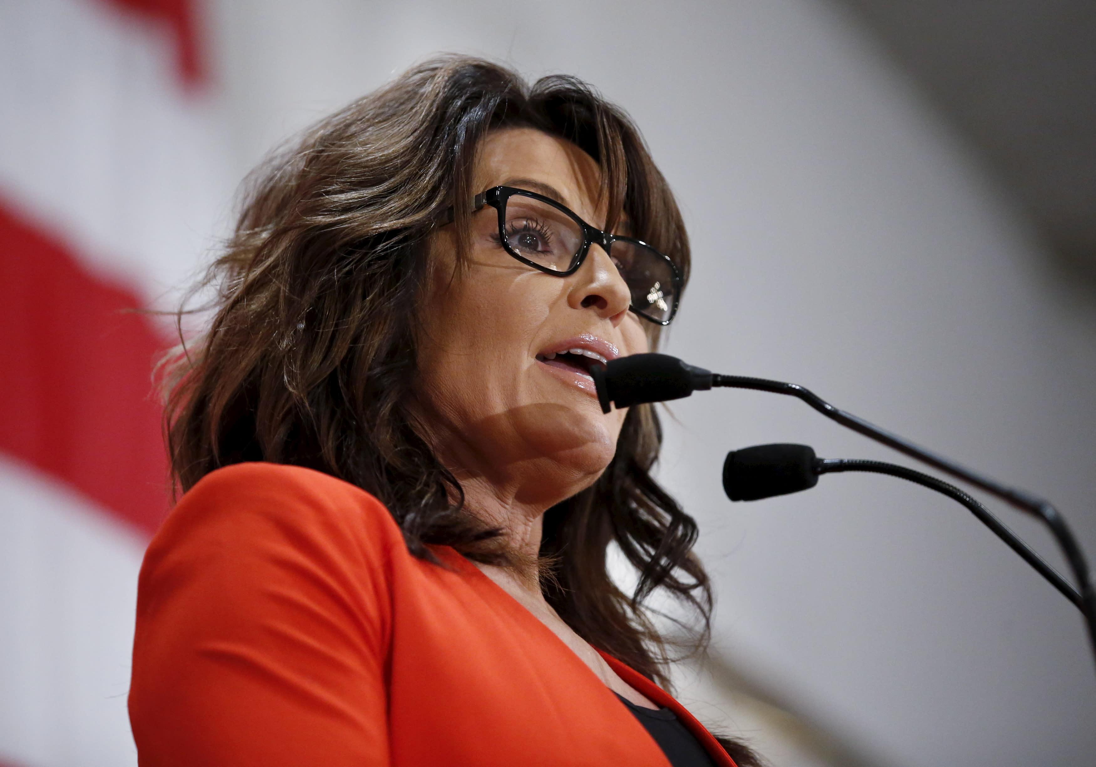 Sarah Palin Apologizes To Julian Assange
