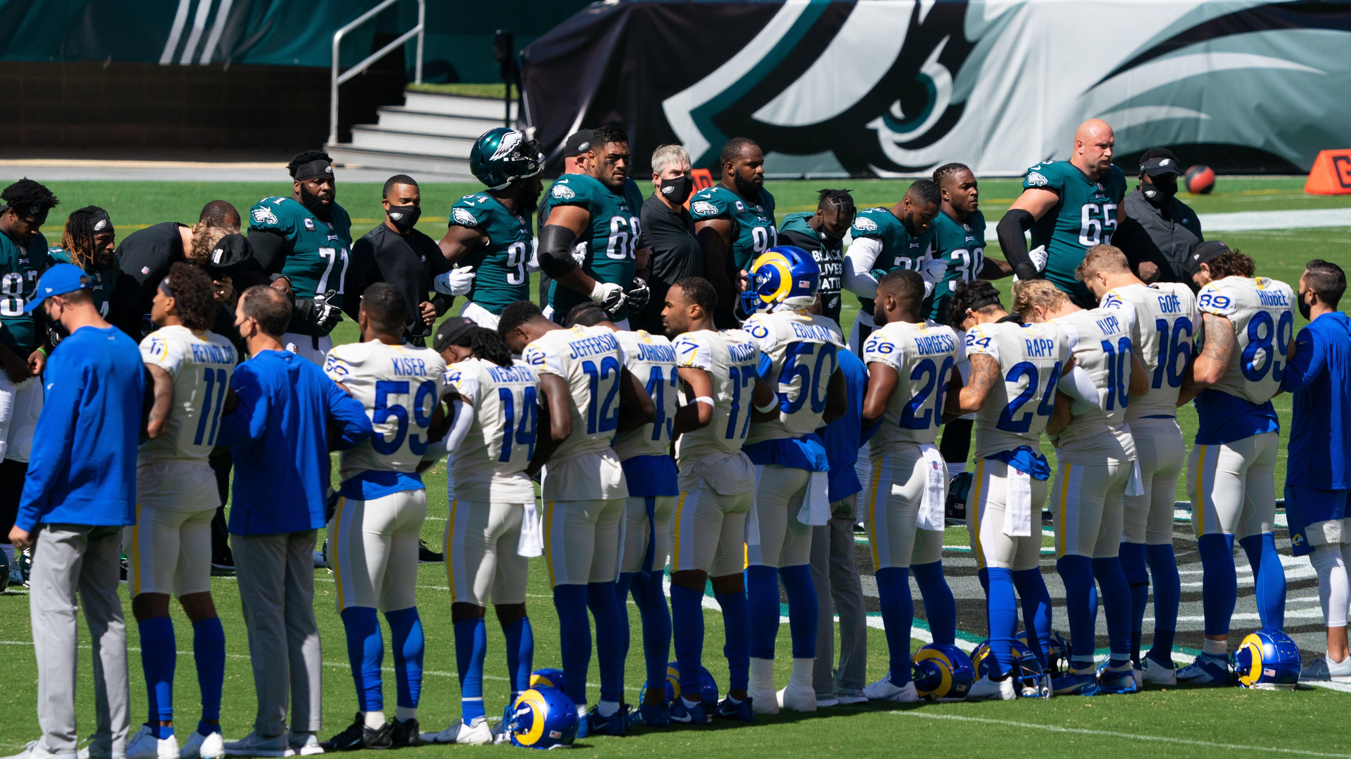 Around 20 Eagles demonstrate during national anthem in Week 2
