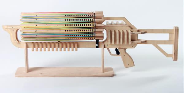 Gummiband-Maschinengewehr sackt 100.000 Dollar bei Kickstarter ein