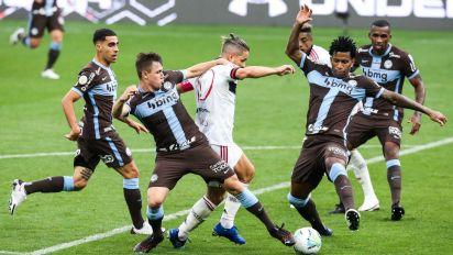 Corinthians x Flamengo: onde assistir ao vivo, prováveis escalações, hora e local; Fla sem zagueiro titular