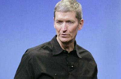 Tim Cook defends Senior VP of Retail appointment