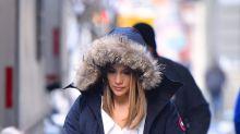 Jennifer López ni siquiera en el frío intenso pierde el glamour; mira sus recientes looks invernales