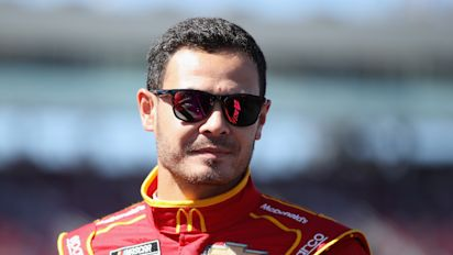 Larson gets green light to return to NASCAR in '21